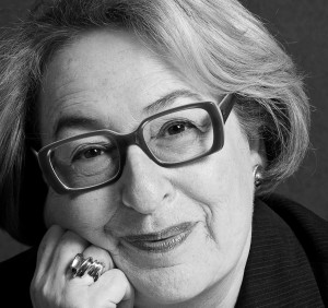 Retrato de Gail Dexter Lord a preto e branco